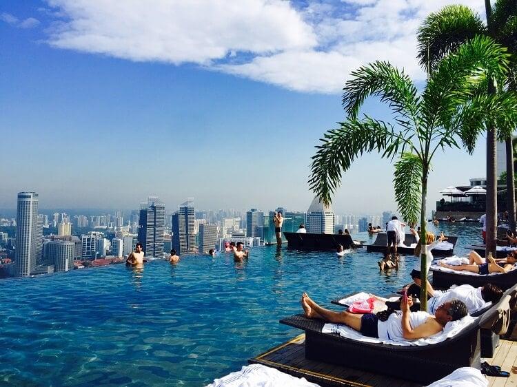 シンガポール就職・賃金の目安