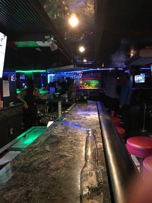 ハワイのクラブ「Play Bar」