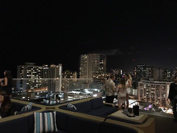 ハワイのクラブ「Sky Waikiki」