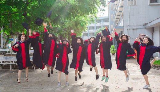 新卒で海外就職する方法【3人の体験談】